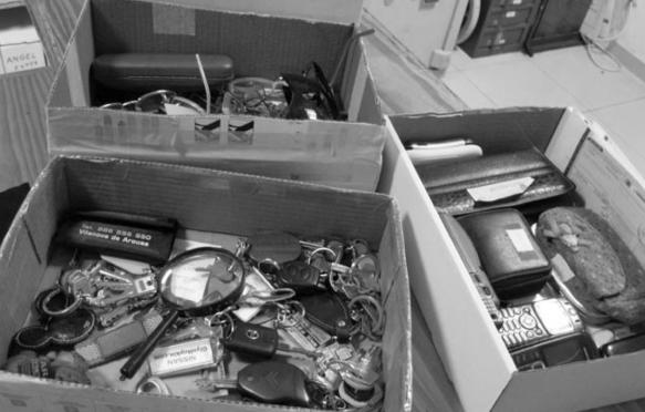 objetos-perdidos-cajas